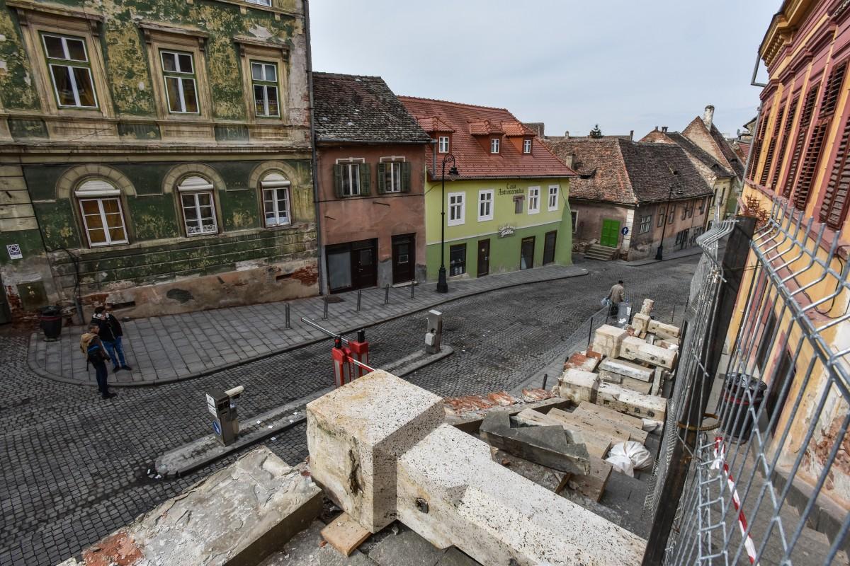 Prima opinie legată de balustradele demontate înspre Podul minciunilor: terenul e suprasaturat cu sare