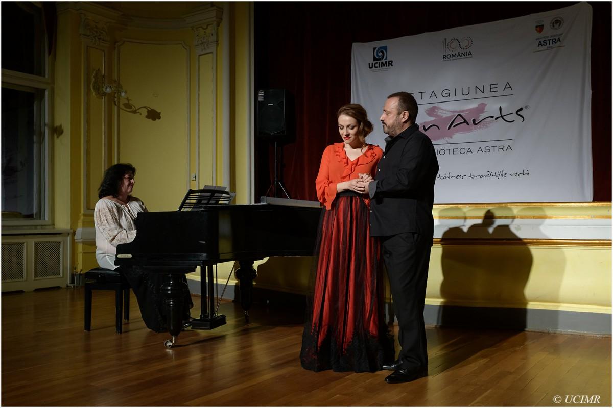 Lied românesc și cântece folcloriceîntr-un recital marca Icon Arts@ Biblioteca Astra (CP)