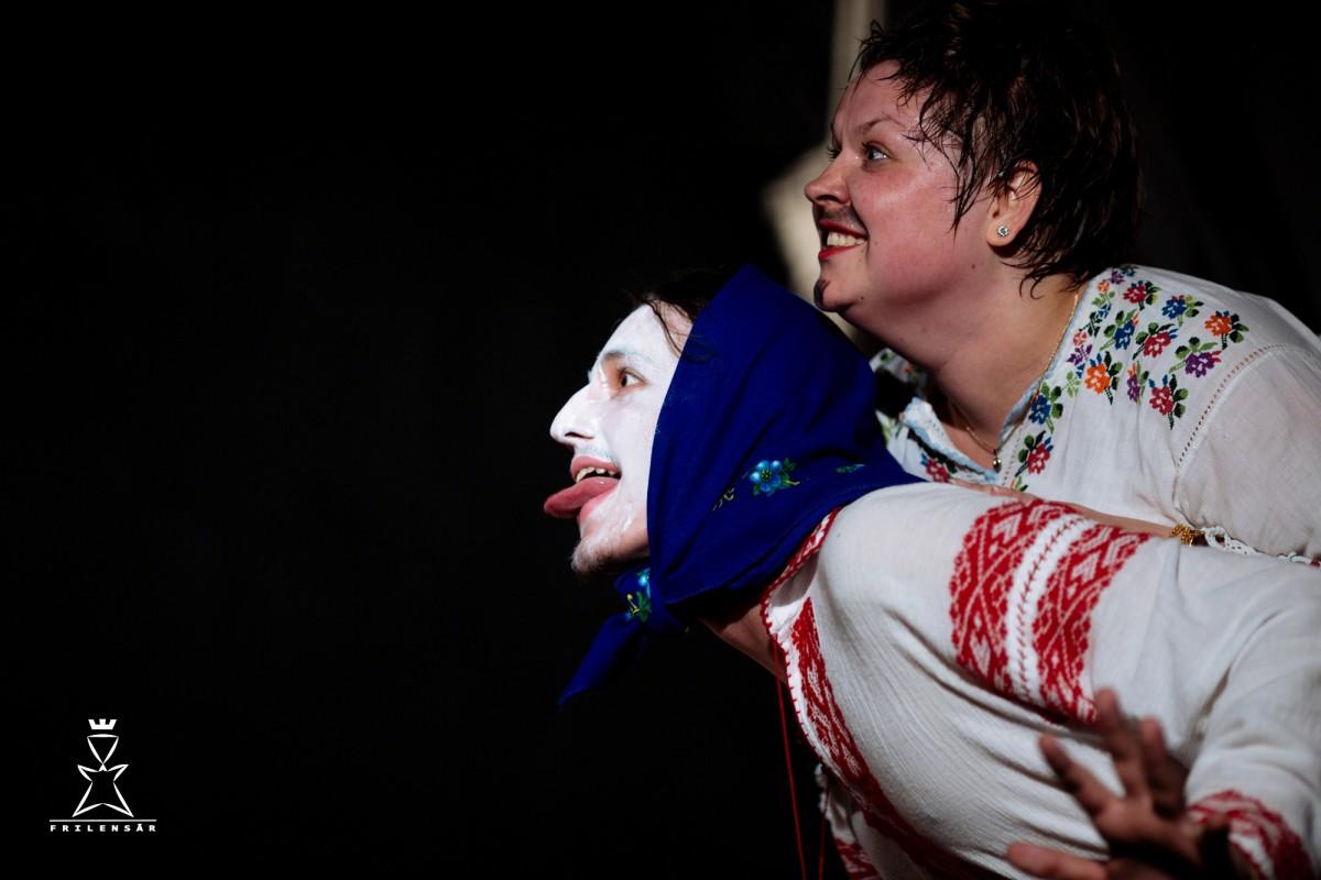 Liceenii sibieni, actori pe scena Teatrului Gong