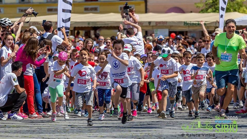"""Angajații DGASPC Sibiususțin două proiecte la maraton. Își doresc o """"șansă mai bună"""" pentru copiii dincentrele de plasament"""