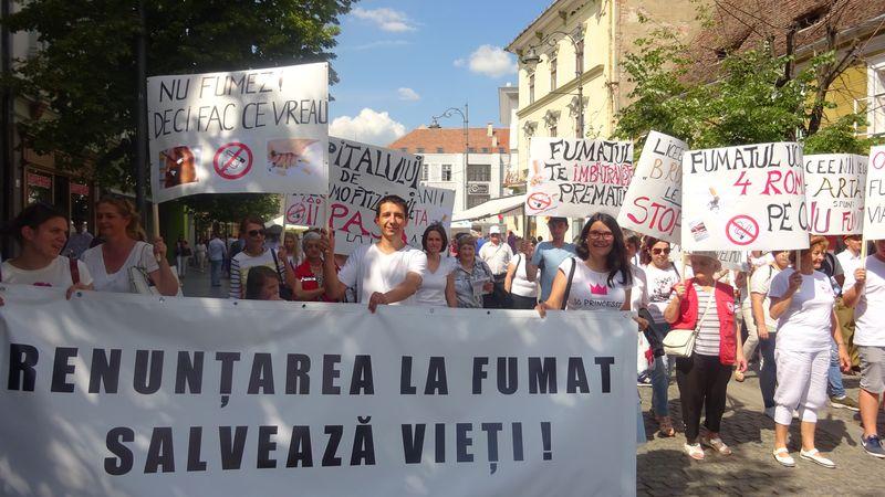 Marș anti-fumat, conferințe și concursuri pentru elevi în Săptămâna Anti-Fumat