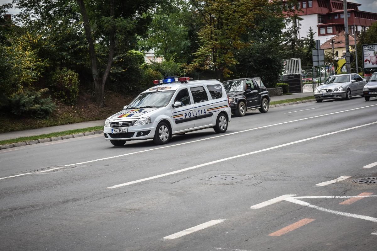 Un șofer băut și doi scandalagii, toți în aceeași mașină, opriți de polițiștii sibieni