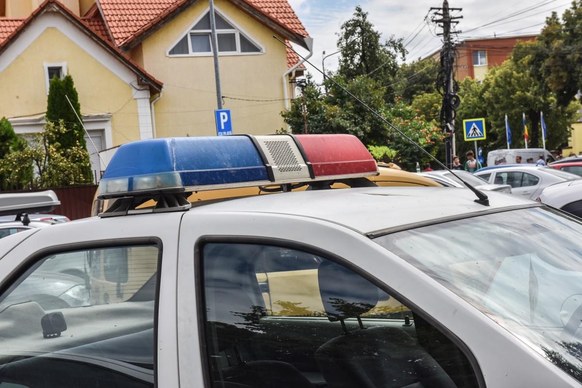 Băiat de 15 prins de Poliție la volanul unei mașini furate