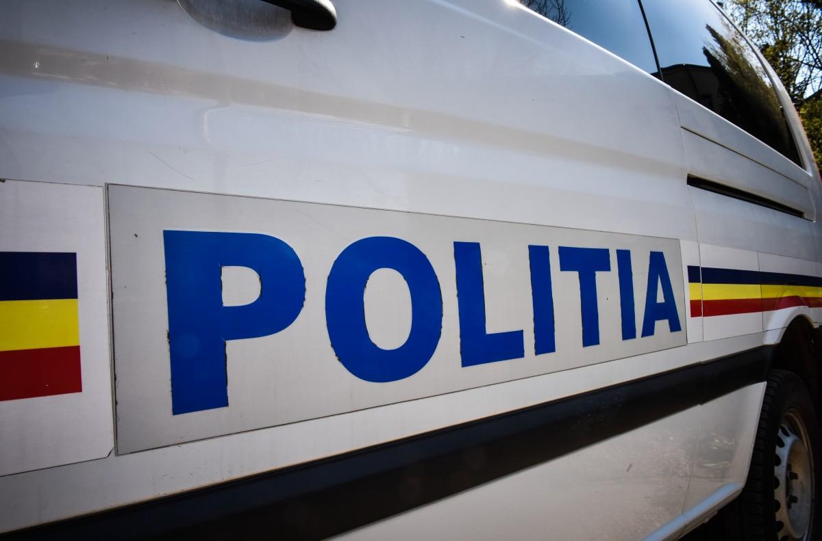 Un tânăr fără permis a provocat o tamponare și s-a ales cu dosar penal