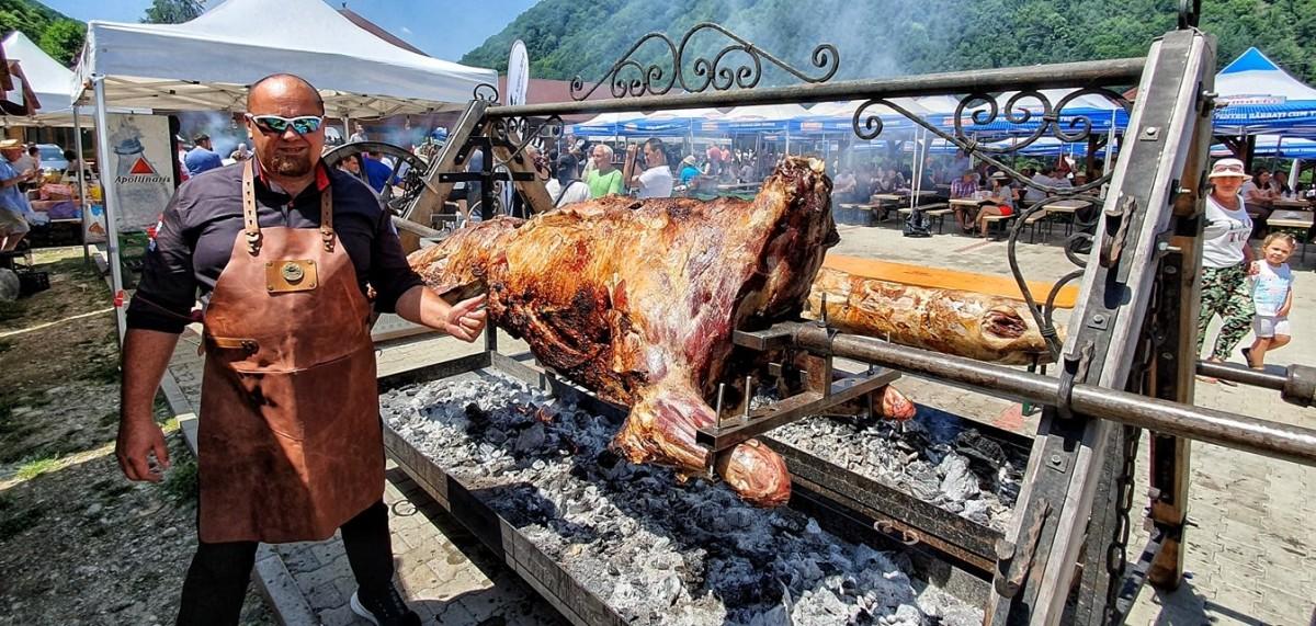 Regiunea Gastronomică își propune să realizeze un record național, un proțap de 30 de metri lungime