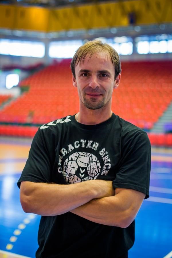 Interviu cu Matei Damian, omul datorită căruia handbalul există în Sibiu: E greu să duci un campionat în 8-9 jucători