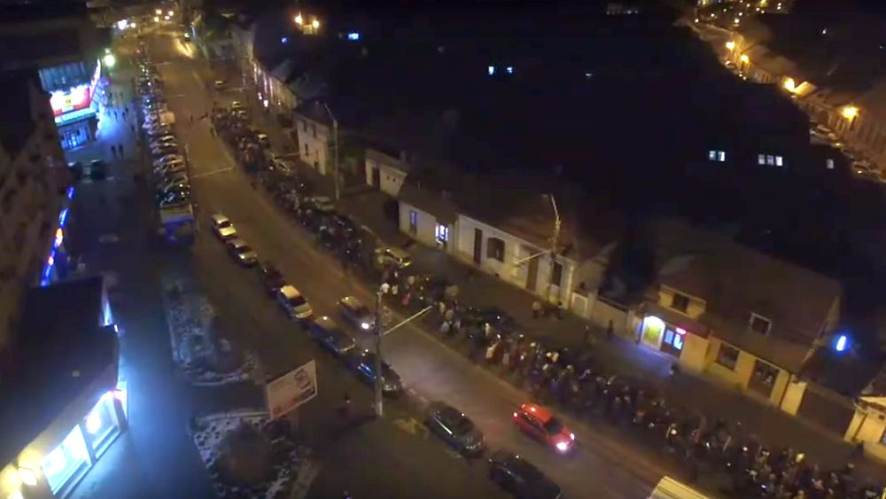 VIDEO - Sibienii protestează și în județ. Peste 2500 de oameni au ieșit în stradă în Agnita și Mediaș