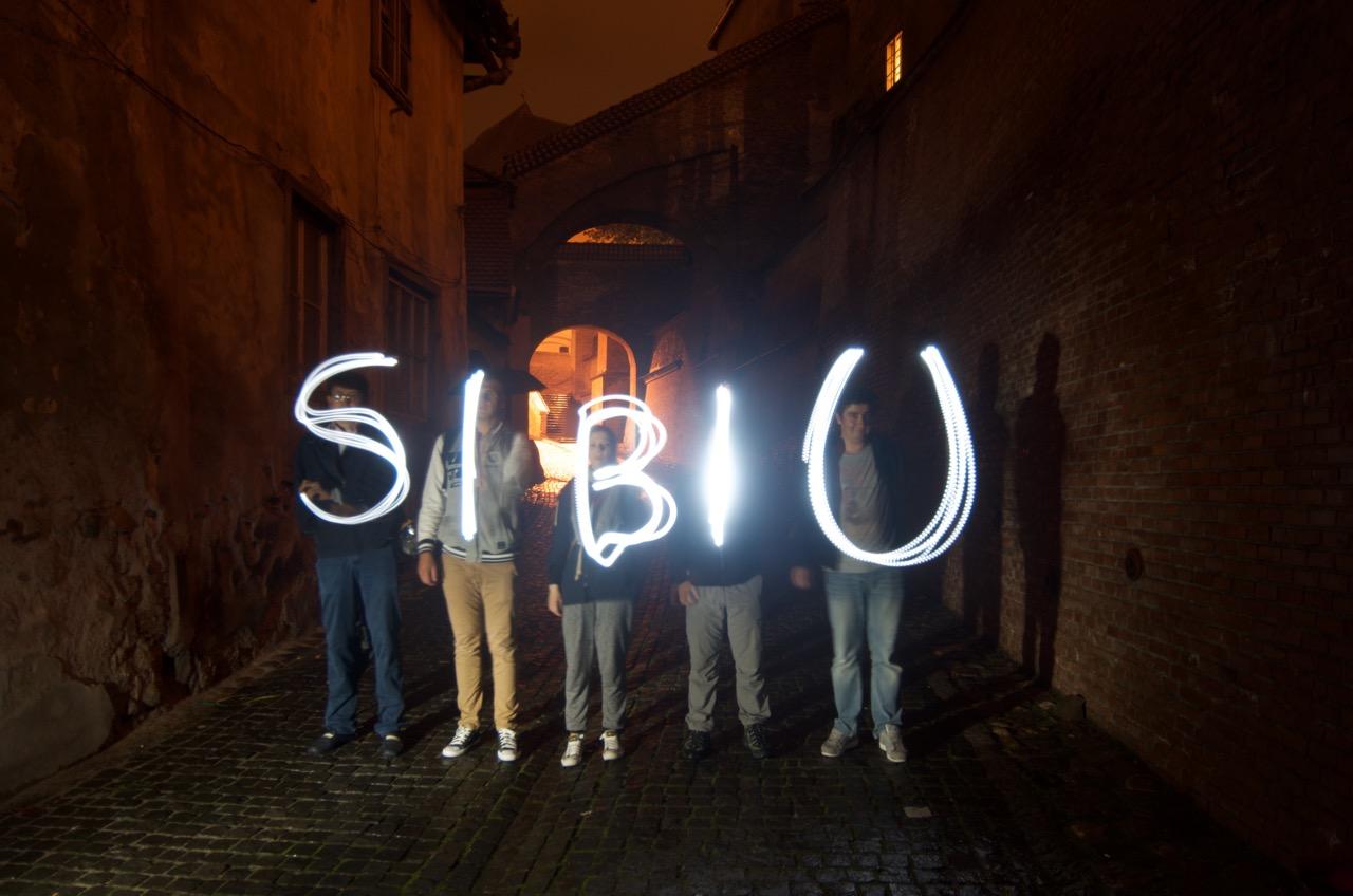 GALERIE FOTO Sibiul, primul oraș din România iluminat de Guerrilla Lightning
