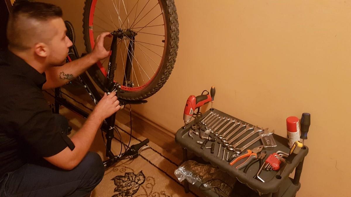 Micile afaceri. Micul atelier de reparat și recondiționat biciclete