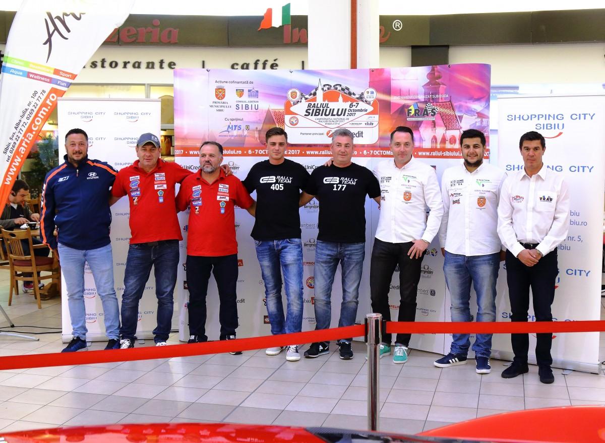 Mihai Leu s-a întâlnit cu sibienii la mall, pentru a promova Raliul Sibiului UniCredit Leasing