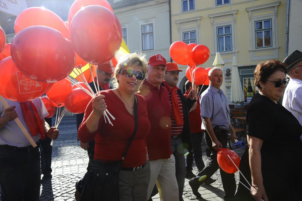 PSD Sibiu: 50 de social-democrați au plecat la București, dar doar în vizită