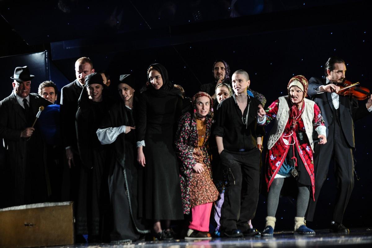 """""""Moroi"""", un spectacol pornit din zona populară a teatrului"""