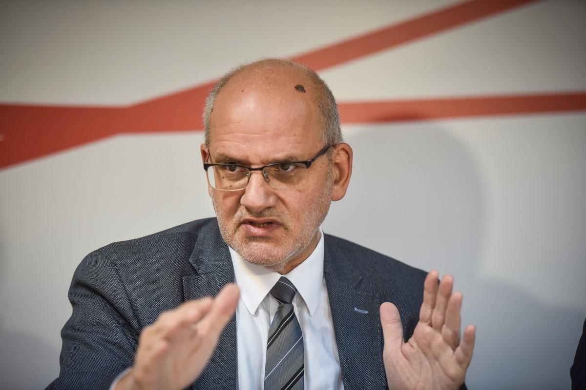 """Premierul a cerut a doua oară demisia sibianului care conduce Compania de drumuri. """"Nu comentez"""""""