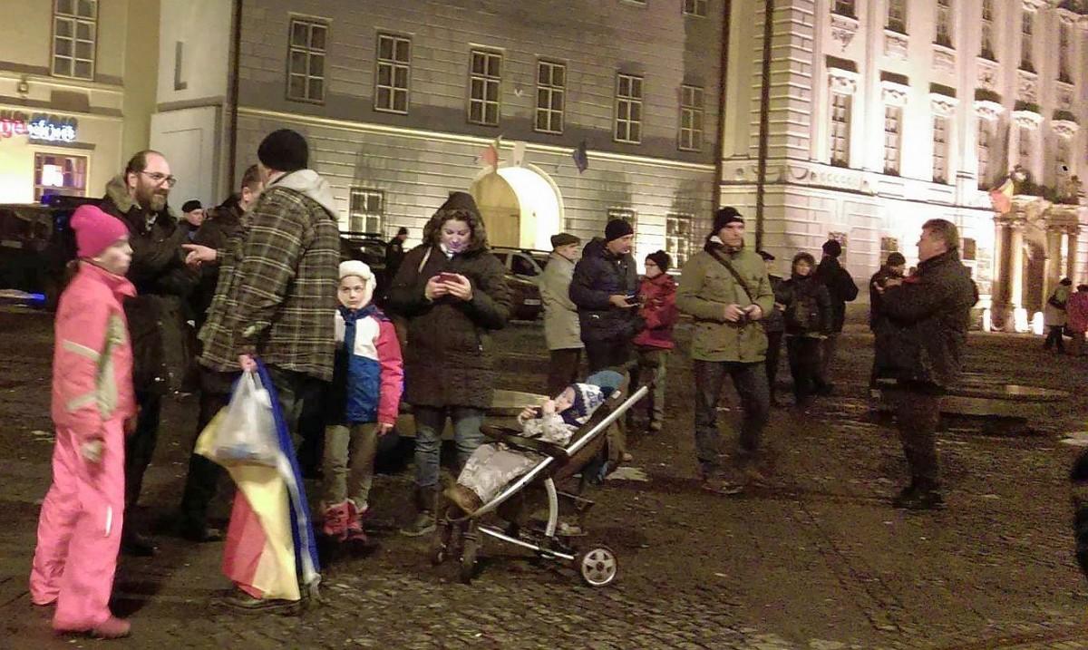 Constantin Necula, în mijlocul protestatarilor din Sibiu: Nu pot să fiu indiferent