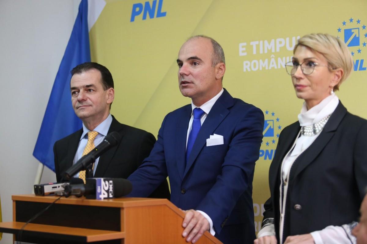 """Turcan și Orban îl prezintă pe Rareș Bogdan sibienilor. """"Imediat după alegeri voi veni la Sibiu să caut un birou în centru"""""""