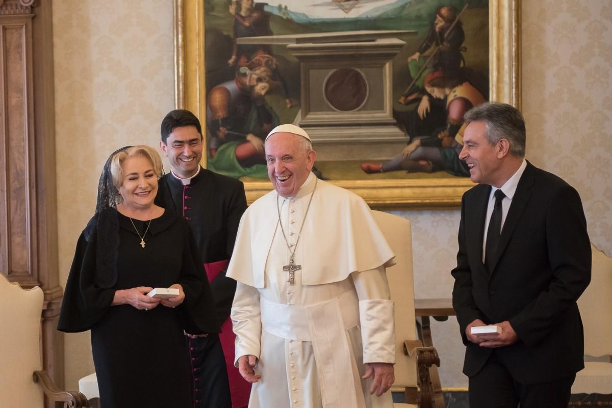Dăncilă: Papa Francisc vine în 2019 în România