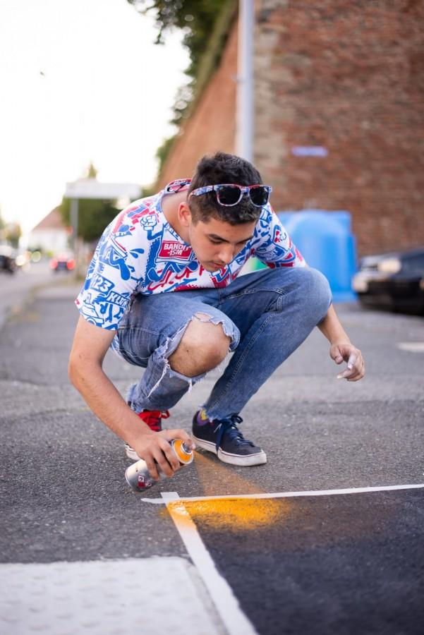 """Tânărul care a pictat treceri de pietoni: """"Experiența cu Poliția a fost neașteptat de interesantă"""""""