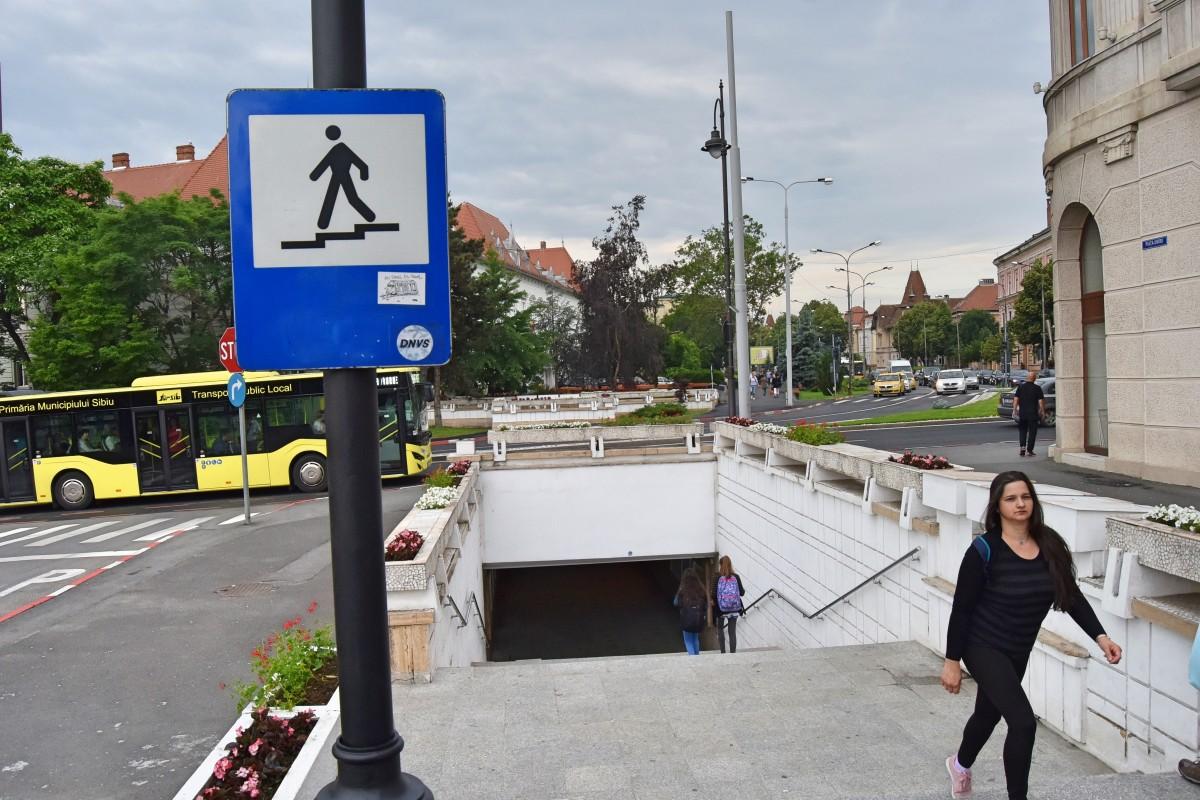 """Primul proiect """"al sibienilor"""". Pasajul pietonal de sub bd. Andrei Șaguna capătă """"sistem de interacțiune digitală"""""""