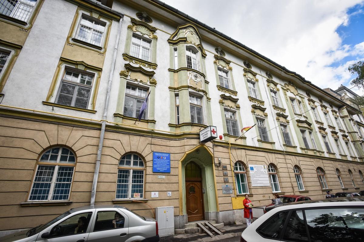 Spitalul de Pediatrie Sibiu, decorat de Președintele României