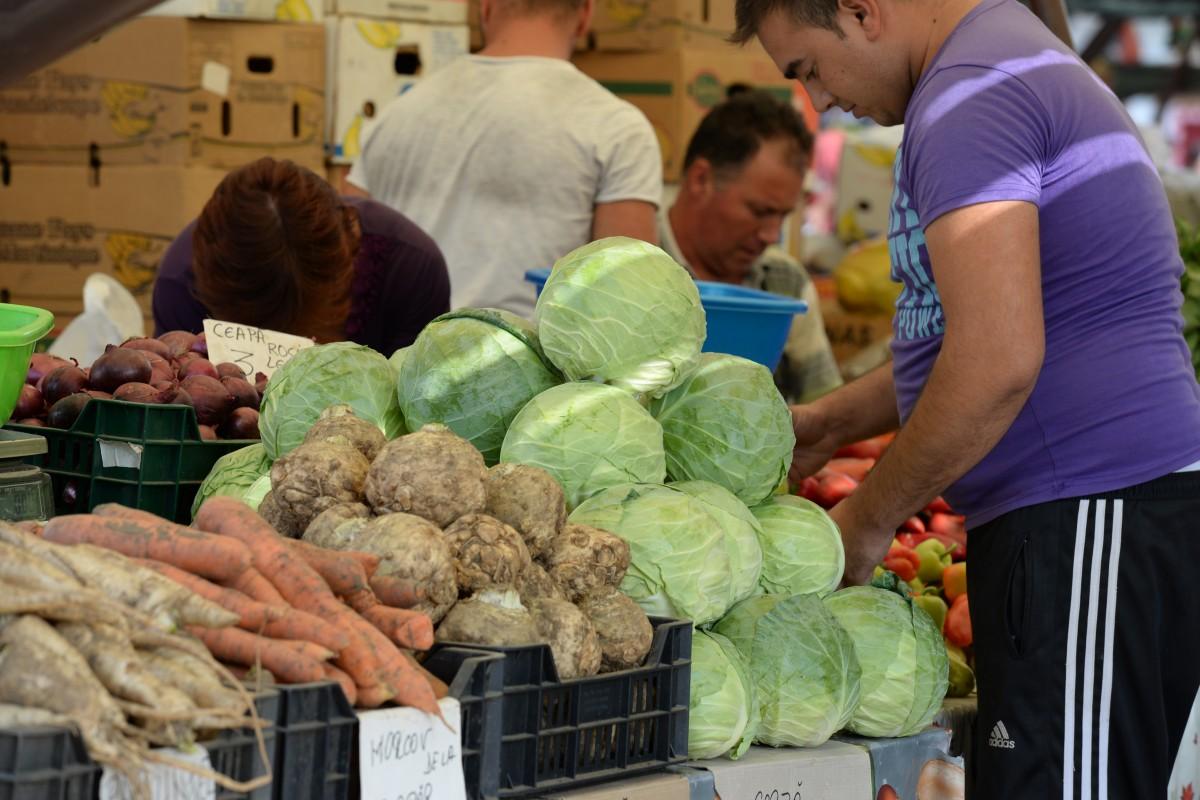 Consilier local despre creșterea tarifelor din piețele Sibiului: Este mizerie mare. La Obor e dezastru
