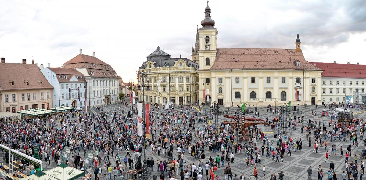 Organizatorii marilor evenimente din Piața Mare: Nu punem bilete, intrarea o să fie liberă