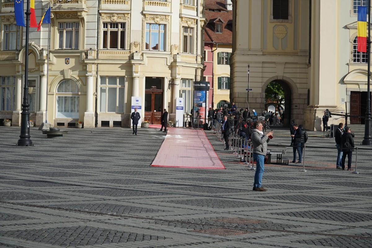 Corespondentul TASS, în Sibiu: Summitul are loc pe fondul unei incertitudini complete