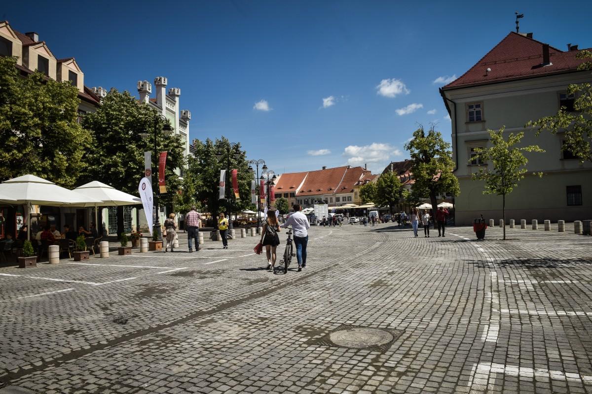 Parcarea din Piața Mică se închide parțial sâmbătă, pentruSibiu Music Fest