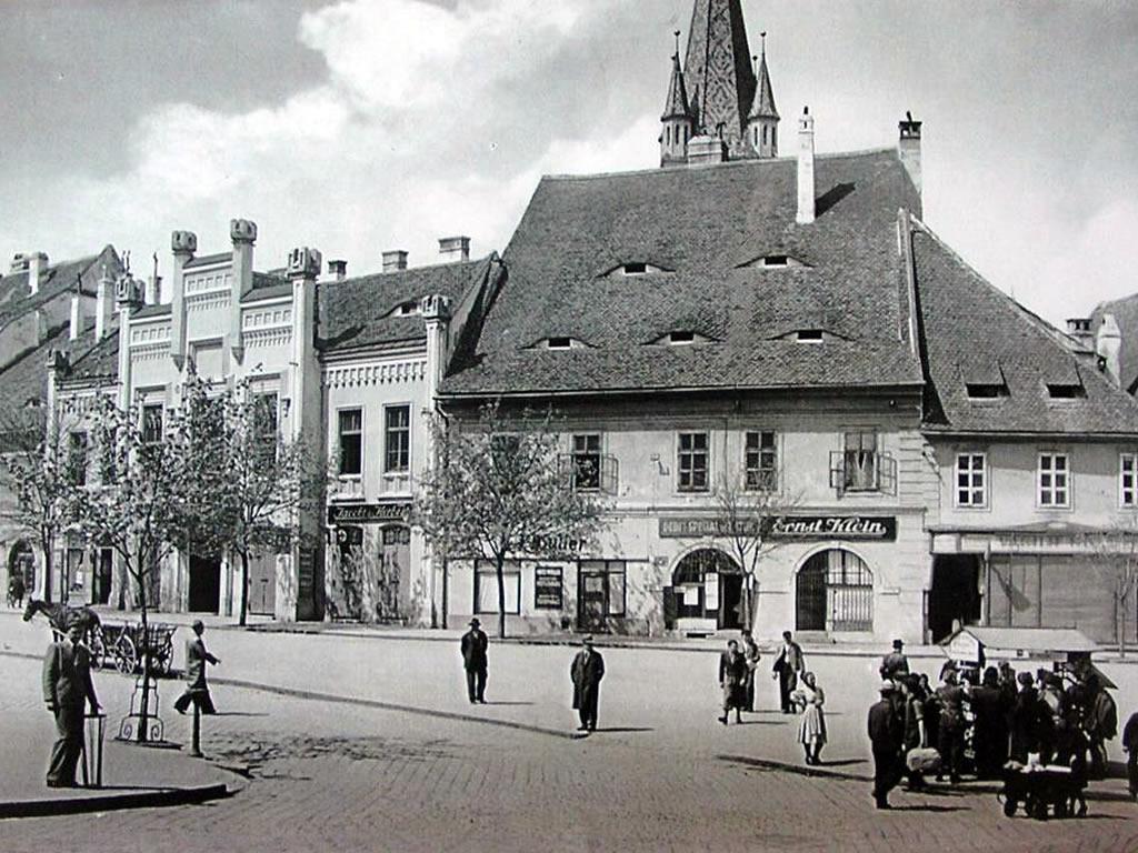 1943. Primăria sfătuiește oamenii să renunțe la plimbările fără rost în centrul orașului
