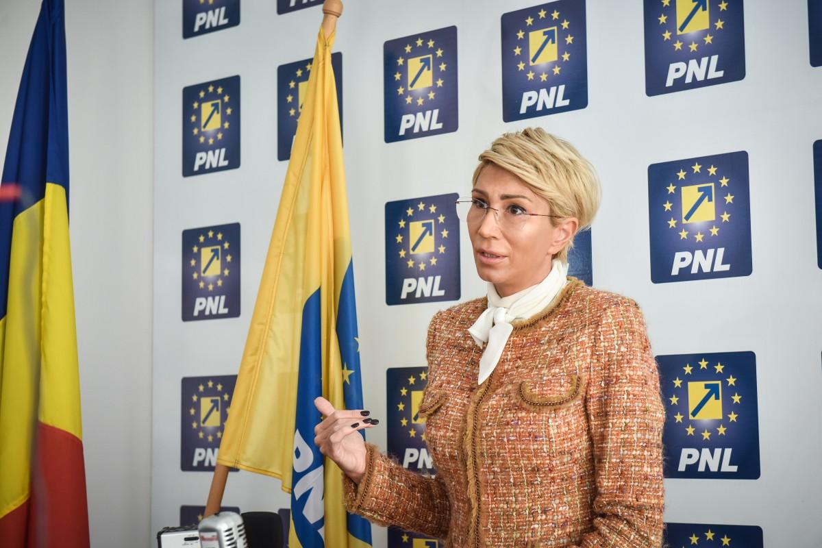 Turcan cere de la Dăncilă bani pentru Sibiu. Chiar și bani de care nu e nevoie