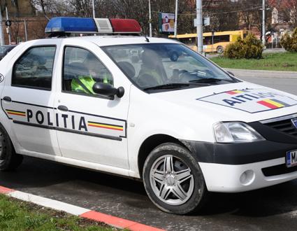 Tamponareîn intersecție în cartierul Trei Stejari: șoferul nevinovat, dus la spital