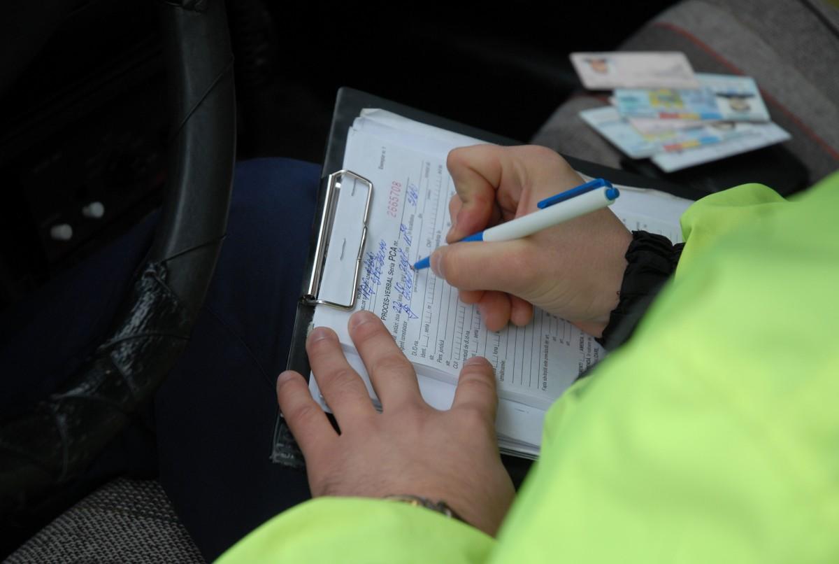 Proiect: Nu poate fi mărită perioada suspendării permisului şoferilor care contestă acţiunea