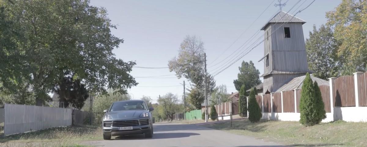 Filmul noului Porsche Cayenne a fost prezentat. Poveste din Transilvania