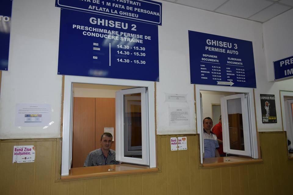 Ghișeele de la Permise și Pașapoarte, deschise în 16 și 17 august