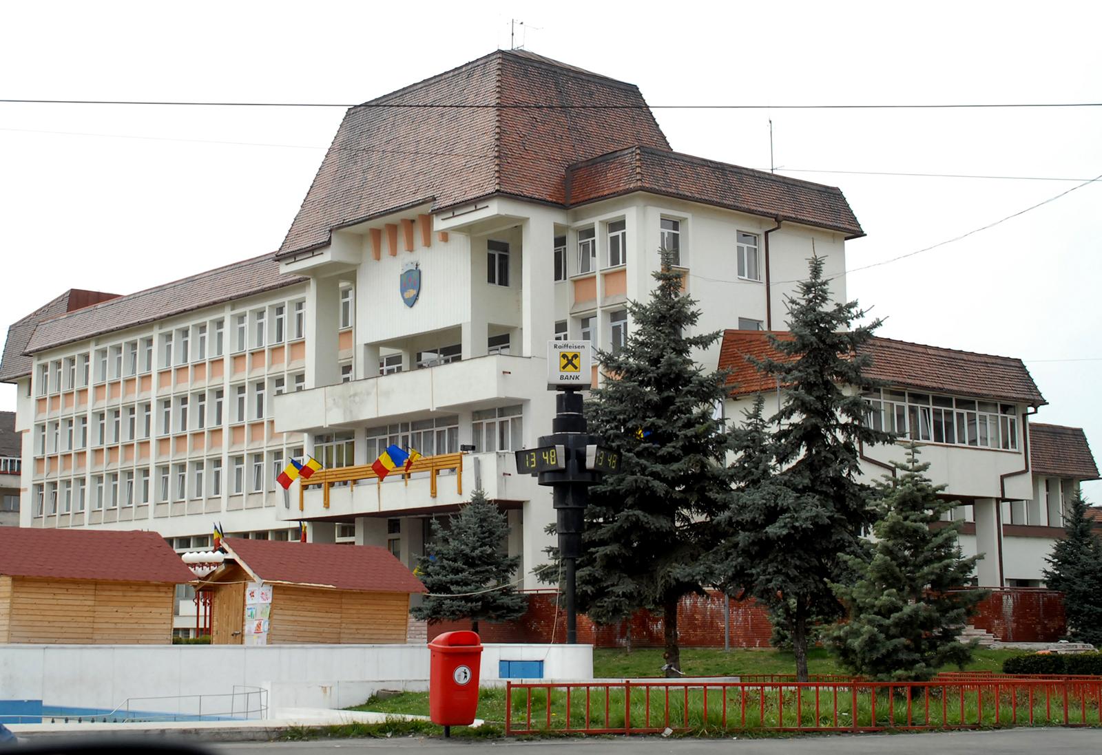 Camera de conturi a descoperit prejudicii de peste șapte milioane de lei la primăriile din Sibiu