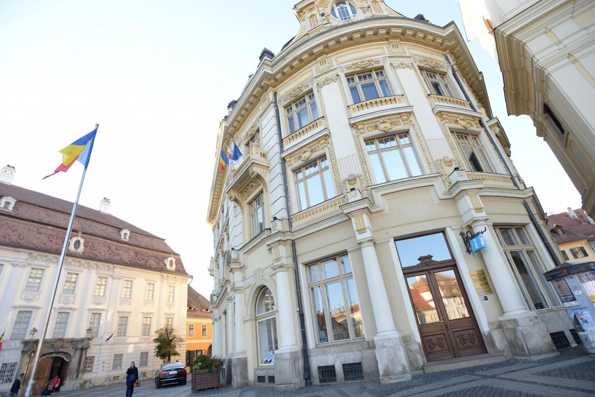 Centrul de Informații pentru Cetățeni și serviciile Urbanism și Autorizare în Construcții s-au mutat înapoi în sediul Primăriei din Piața Mare
