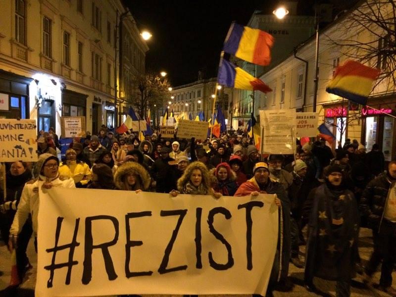 Duminica, ziua protestelor anti-guvernamentale. De la ora 18, în Piața Mare