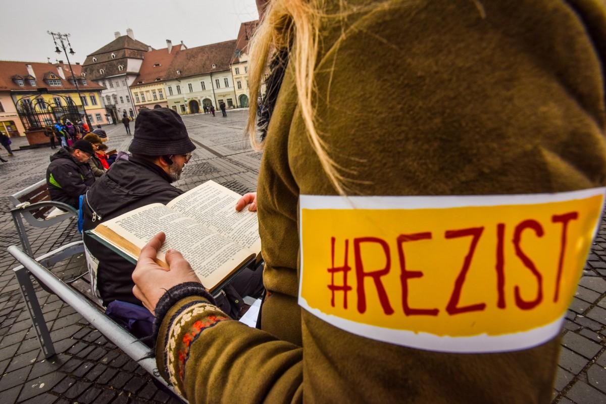 Noi proteste duminică. Un constănțean va cânta Balada lui Porumbescu în Piața Mare