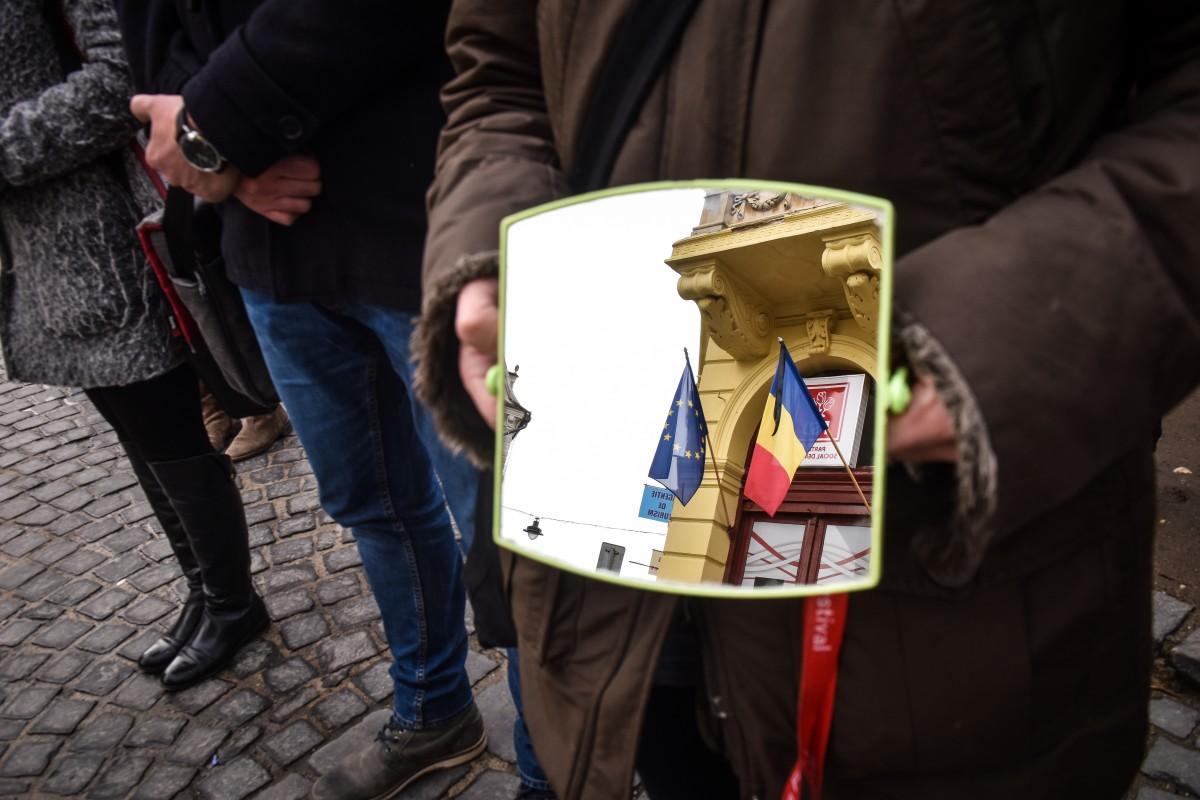 PSD Sibiu: PNL, misogin până în măduva oaselor președintelui