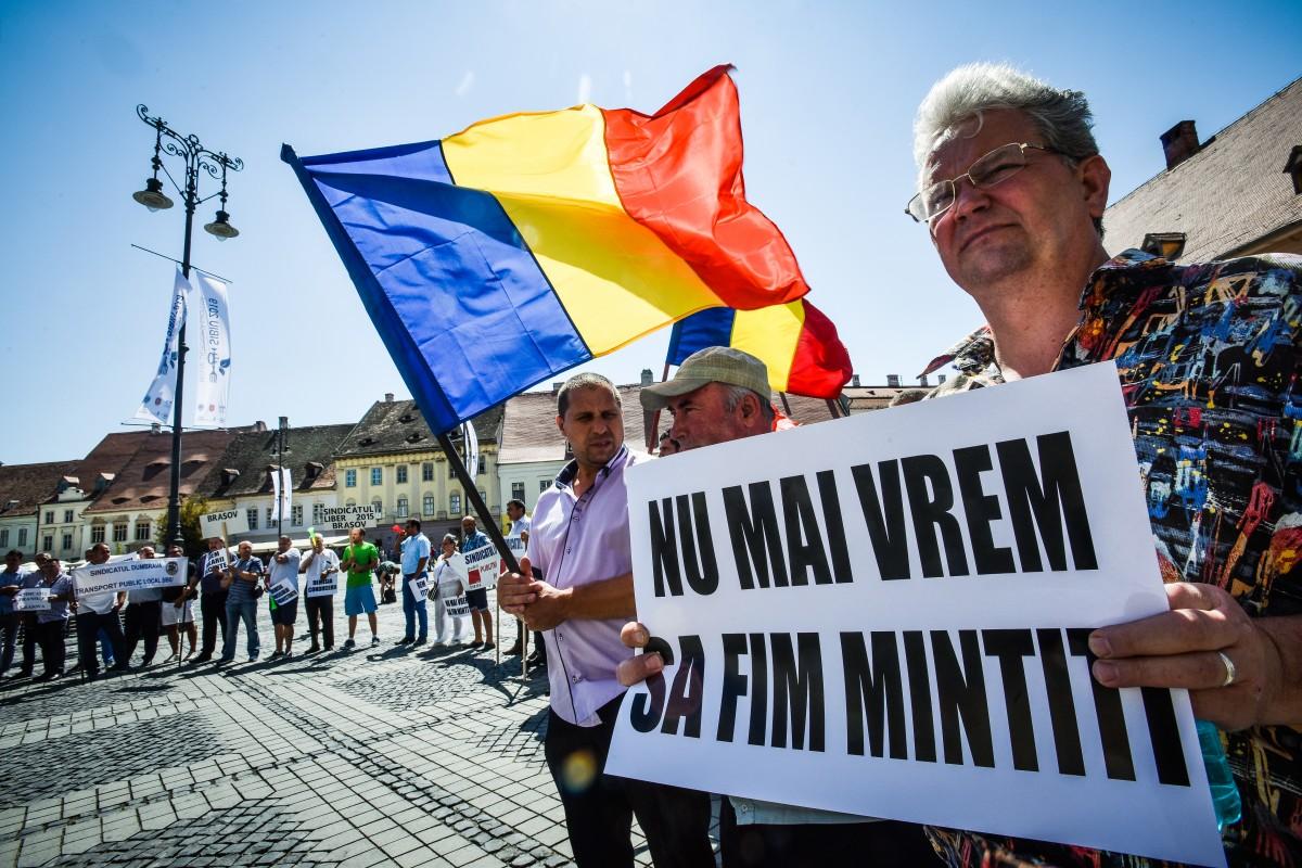 Protest al angajaților Tursib în Piața Mare: Doamna primar ne-a înțeles problemele și a promis soluții
