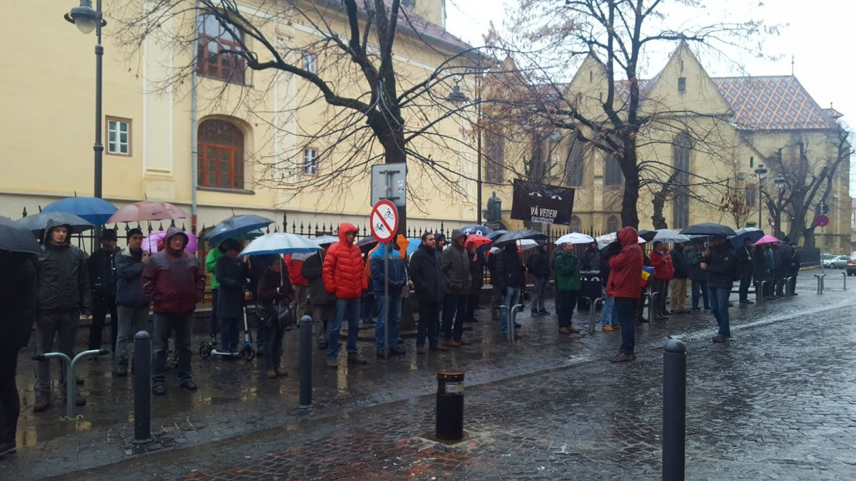 Flashmob #22: Sibienii se pregătesc de plecarea la București