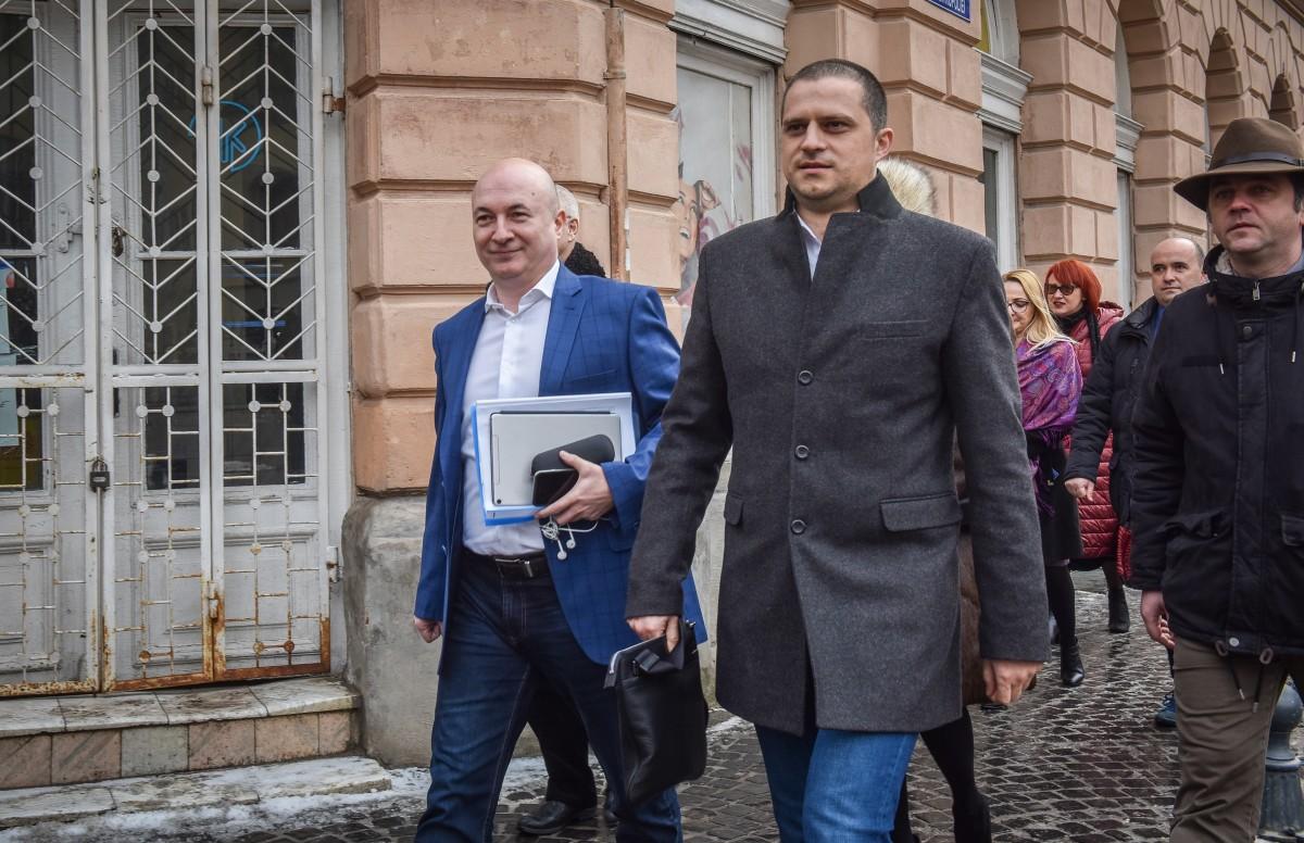 """Luptă pentru putere în PSD Sibiu. Trif e """"săpat"""" de două tabere"""