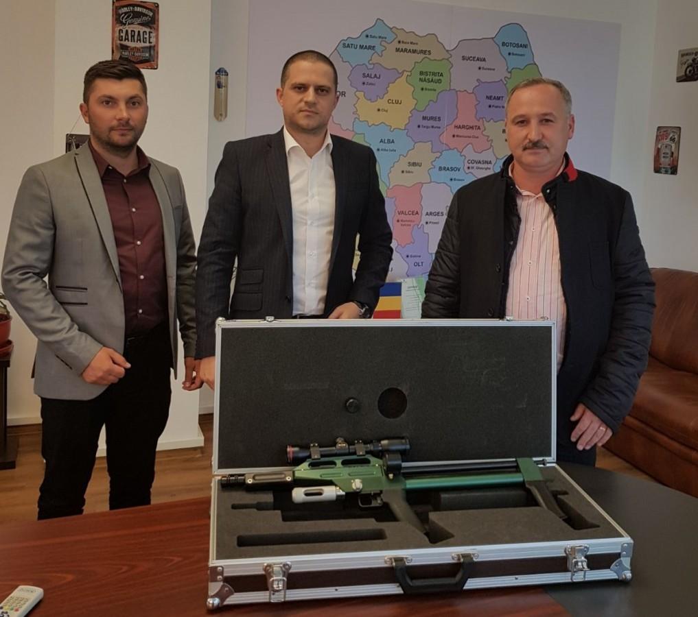 """Garda de Mediu a donat Grădinii Zoo din Sibiu o pușcă cu tranchilizante: """"știu că au fost probleme în mai multe rânduri"""""""