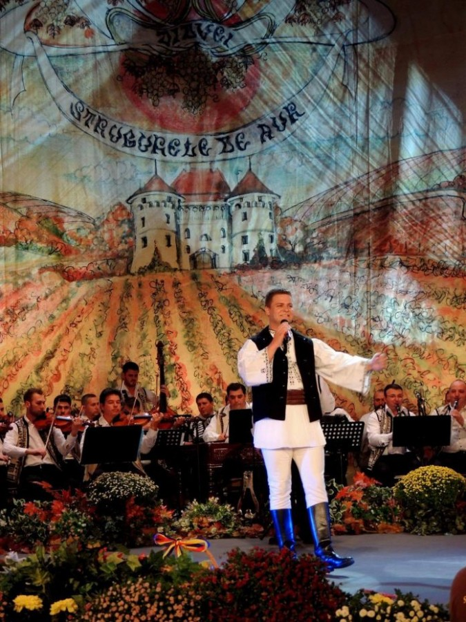Interpretul sibian Radu Goța a obținut premiul de popularitate la Festivalul Național de Folclor de la Alba Iulia