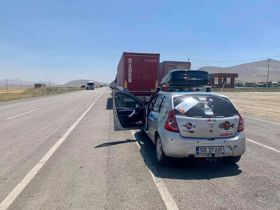 Unde a ajuns sibianul care a pornit într-un raliu spre Mongolia cu o Dacia