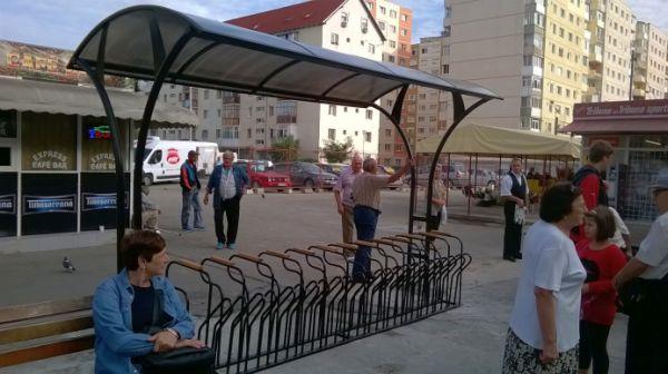 FOTO - Cum arată noile parcări pentru biciclete montate de primăria Sibiu. Costă aproape o mie de euro fiecare