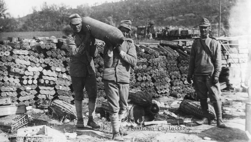 Cadavrele unor soldați români, eroi în Primul Război Mondial, descoperite în tranșee aproape de Valea Oltului