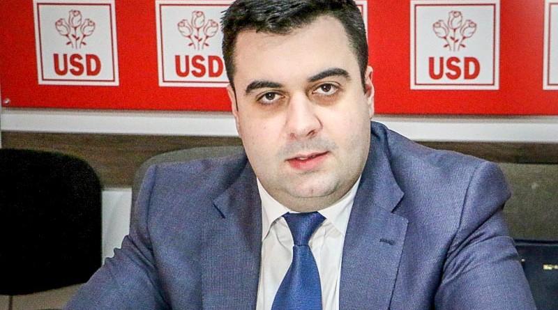 """Ministrul Cuc acuză ONG-urile de mediu că au blocat autostrada Sibiu-Pitești. """"Să se ducă în altă țară"""""""