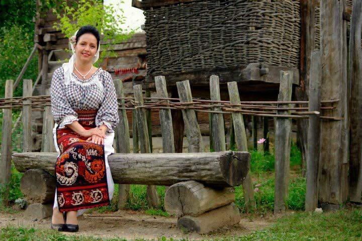 Portret: Mariana Jianu, punte între două zone folclorice