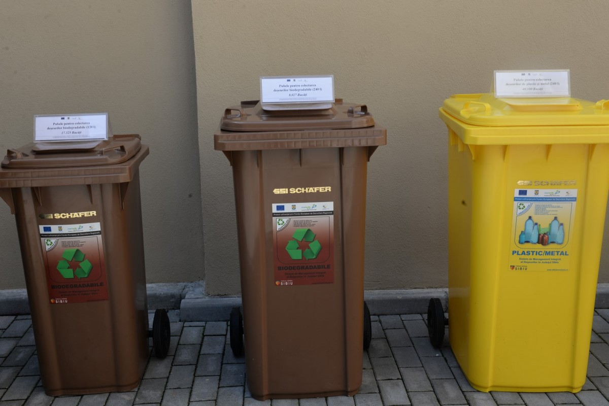 ANUNȚ: Începe distribuția europubelelor pentru colectarea selectivă