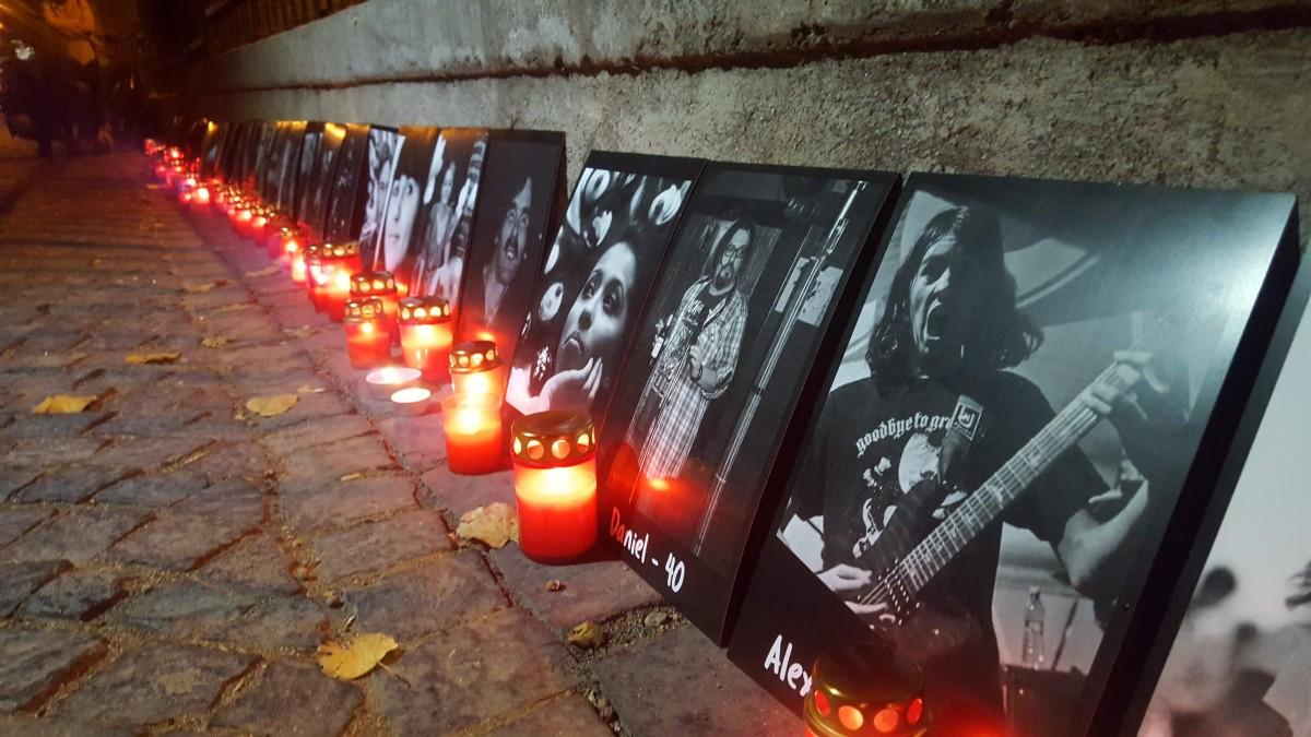 Moment deosebit în Piața Huet, la trei ani de la Colectiv. 400 de sibieni le-au adus un omagiu celor care nu mai sunt printre noi